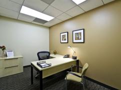CA, Newport - Newport LNR Plaza Center (Regus), Newport Beach - 92660