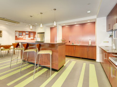Carr Workplaces - Tysons, McLean - 22102