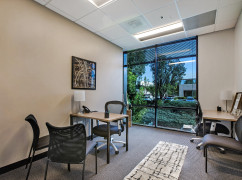 ON, Toronto - Yonge & St. Clair (Regus) Ctr 3329, Toronto - M4V 1L5